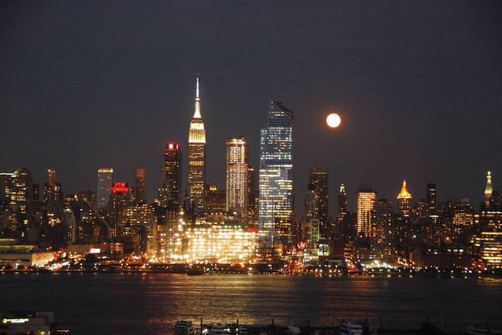 4th of July Special! Minutes to Times Square! - Weehawken - Apartemen