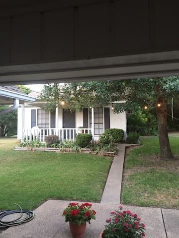 Quiet Little House in the Woods  (no cleaning fee) - Lorena - Guesthouse