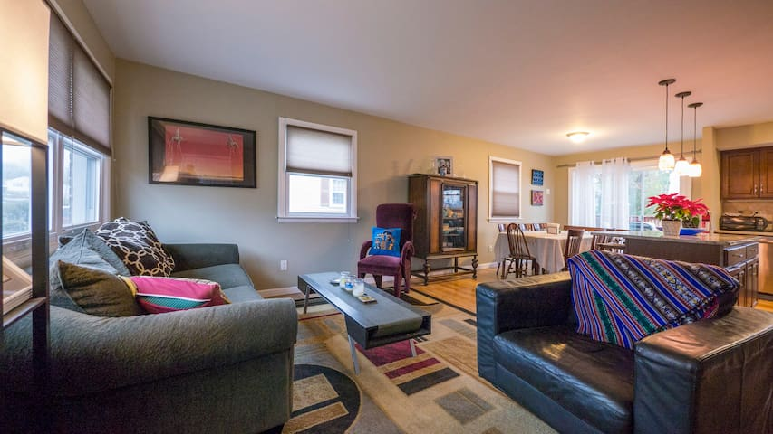 Comfort & Convenience Near Philly - Eagleville - Casa