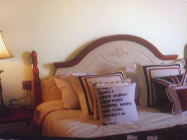 wo bedrooms Deluxe view room - IE - Casa