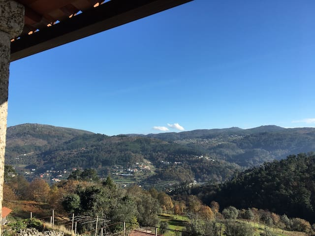 Mountain House with awesome views - Valões