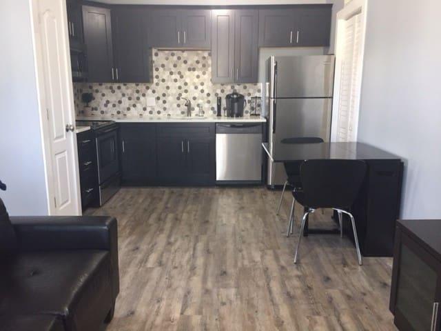 Trendy Studio in Neighborhood 1 Mile from Uptown - Charlotte - Apartamento