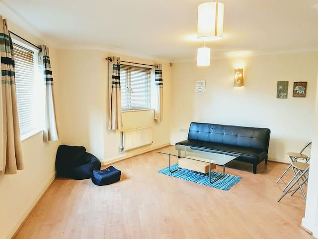 Large Central Apartment - Exeter  - Квартира