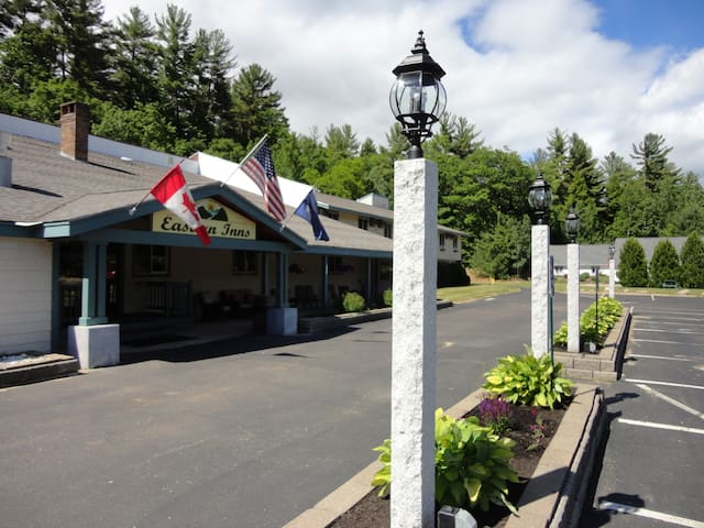 North Conway with lots of amenities. - Conway - Butik otel