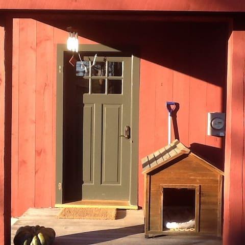 The Red Barn loft: Adirondack views - シャーロット - 一軒家