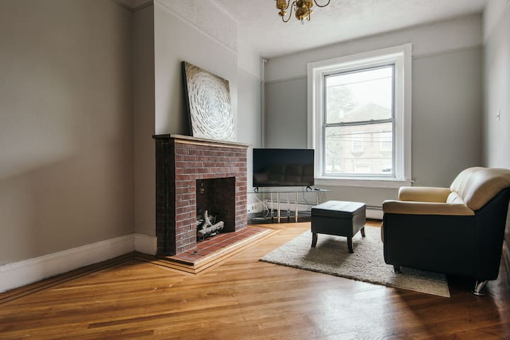 Restored 4BD 3BA row house NYC area - Jersey City - Stadswoning