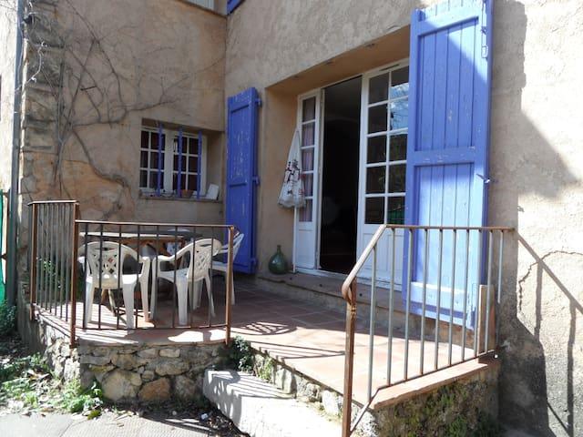 appartement avec terrasse - Salernes - Departamento