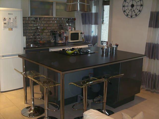 Appartement 2 chambres - Trans-en-Provence - Квартира