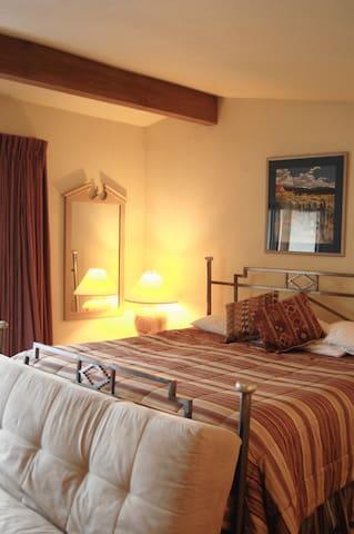Taos Ski Valley Penthouse - Taos Ski Valley - Apto. en complejo residencial