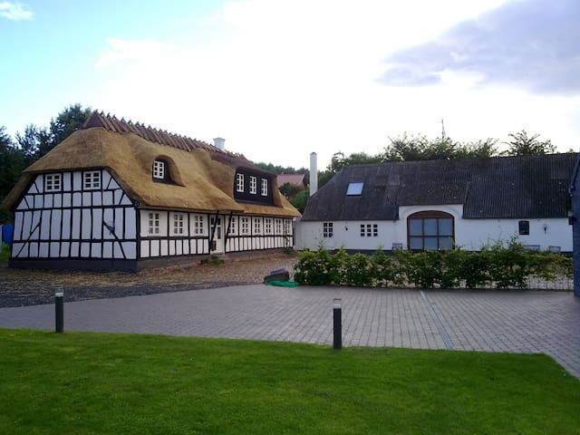 Countrystyle living - central and quite - Fredericia - Villa