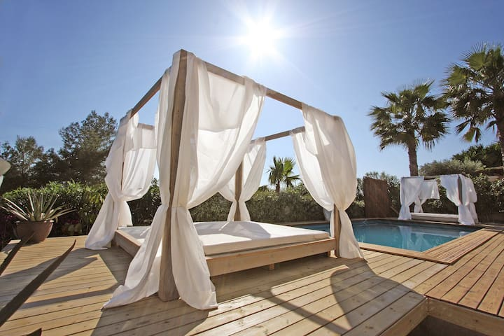 Gorgeous villa @ perfect location - Cap Martinet - Vila