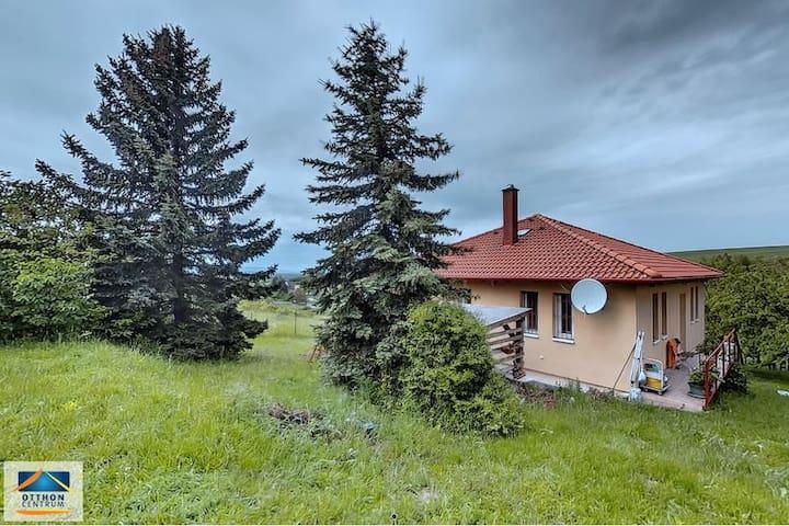 Peaceful quiet cottage - Gyermely - Ev