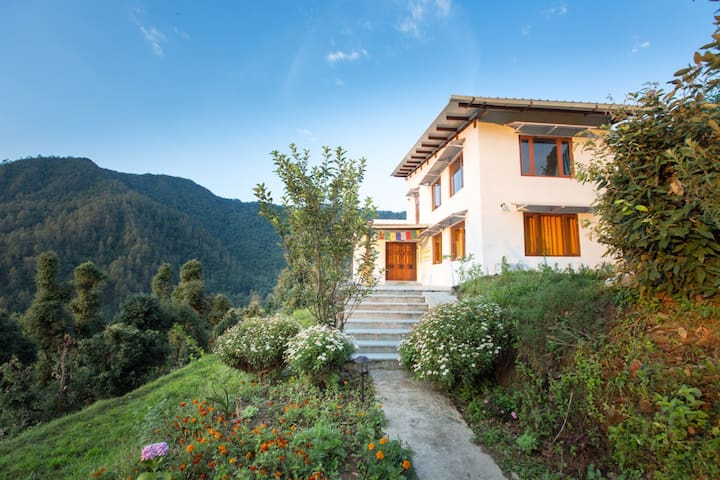 Beautiful homestay in the Himalayas - Gudam State