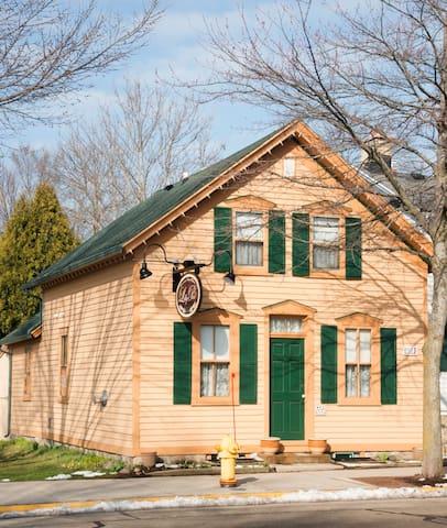 Lilly Pad (Boerners' Guest House) - Cedarburg - Penzion (B&B)