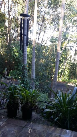 Self contained flat, tropical acre, pet friendly - Murwillumbah - Wohnung