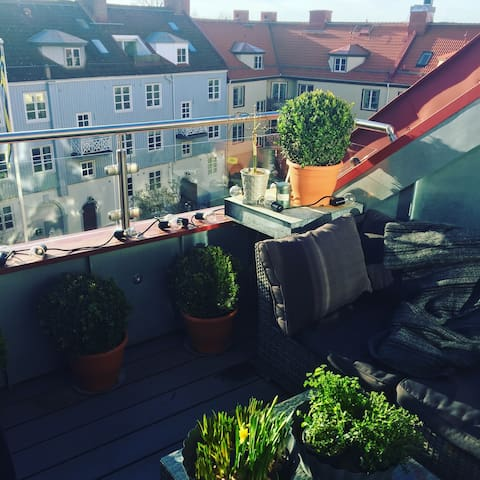 Two private floors close to everything - Göteborg - Appartement