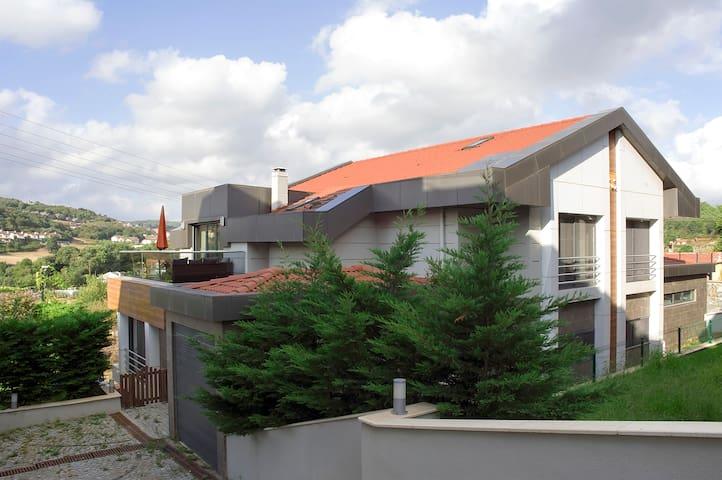 Designer Villa in Istanbul - Zekeriyaköy Köyü - Rumah