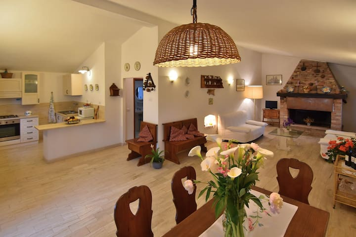 Charming cottage in Val d'Orcia - Castelmuzio
