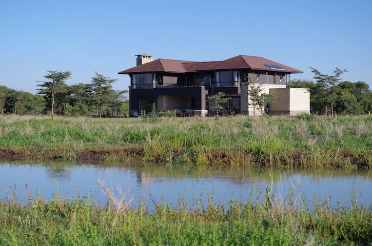 LUXURY HOME ON WILDLIFE CONSERVANCY - Nanyuki - Ev