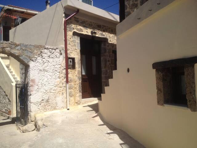 Villa Petrino - two houses - Mirthios - Casa