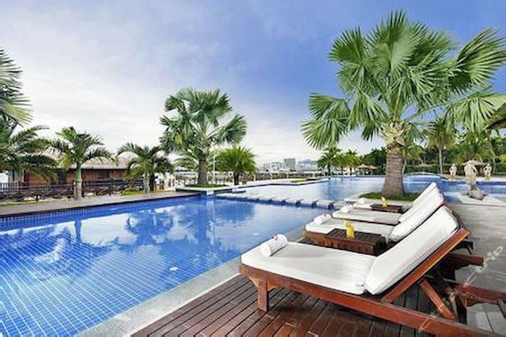 三亚大东海情人湾海景飘窗大床房(免费接机、接站、游泳池、停车、游玩攻略) - Sanya - Apartmen