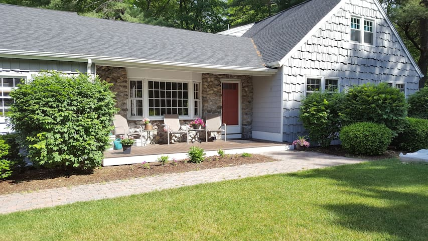 Natural Retreat Close to Shopping & Attractions - Westford - Hus