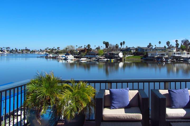 Large Group Rental - Premium Beachfront Location - Discovery Bay - Ev