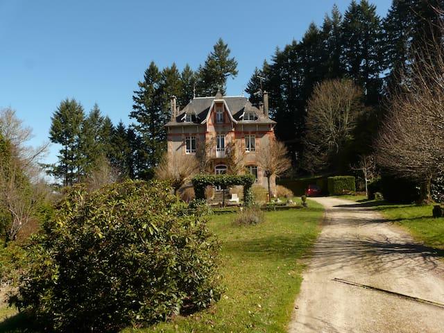 Belle maison de caractère - Meymac - Huis