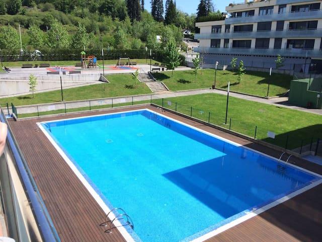 Piso Urbanización privada Oviedo - La Manjoya - Ortak mülk