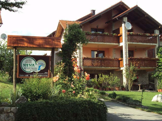 Modern and cozy apartment, waterfall view - Slunj - Daire