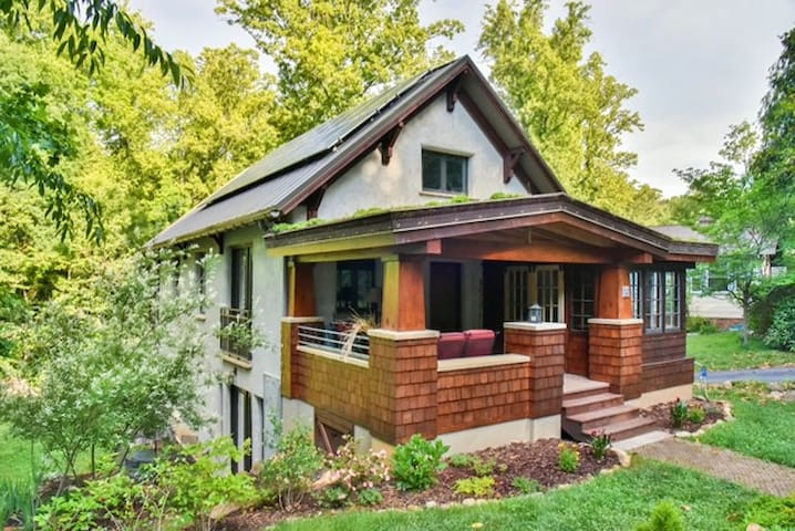 Amazing, One of a Kind, Green Home in W. Asheville - アシュビル