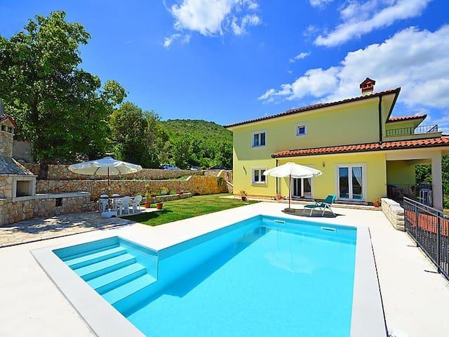Apartments in Brseč, Kvarner - Brseč - Apartament