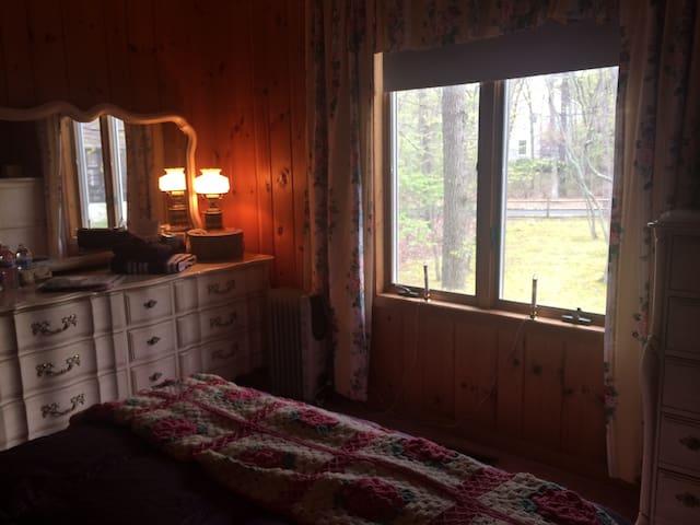 Cabin in the lakes - Medford - Casa