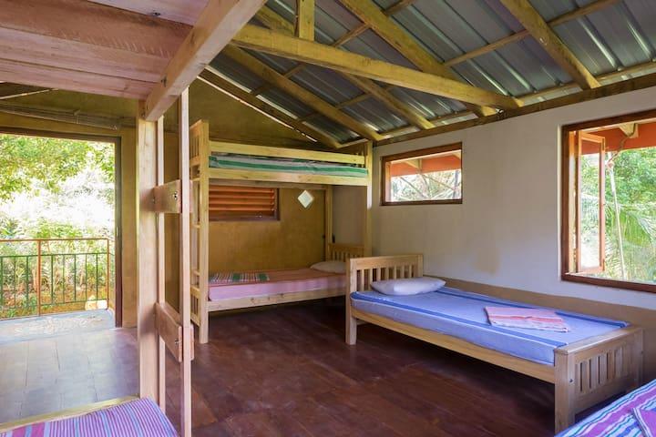 Natural Mystic Hostel@ Rainforest - Matara - Studentrum