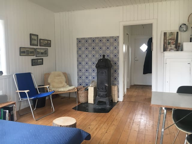 Cosy summerhouse 100 m to beach - Vejby - 一軒家
