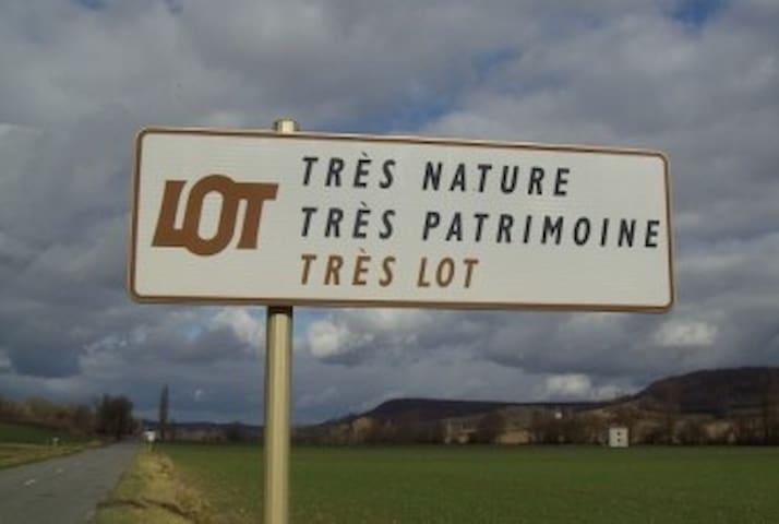 PIED A TERRE 2 CHAMBRES PRES DE CAHORS HISTORIQUE - Cahors - Huoneisto