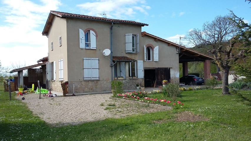 Detached country house (45 mn from Toulouse) - Villemur-sur-Tarn - Hus
