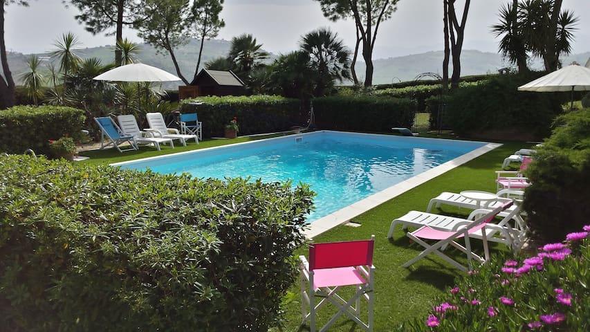 """Villa Vittoria"" - Città Sant'Angelo - Villa"