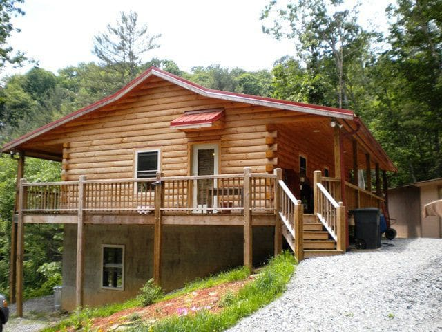 Dream View log Cabin near to all adventures - Grassy Creek - Cabaña