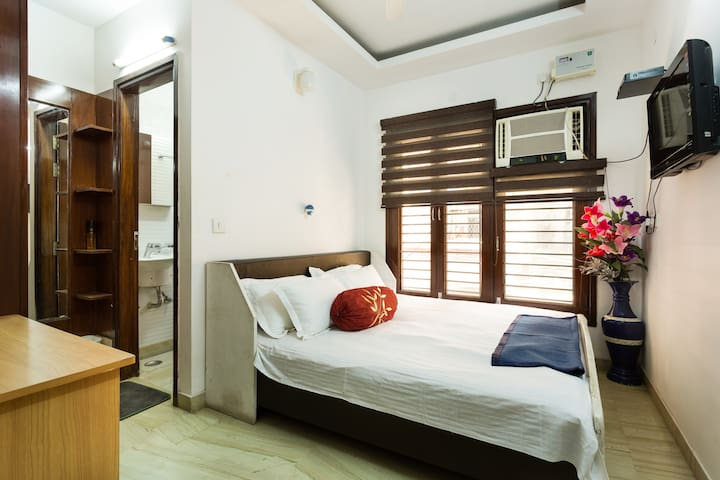 Independent home, 2 mins to metro - New Delhi - Dom