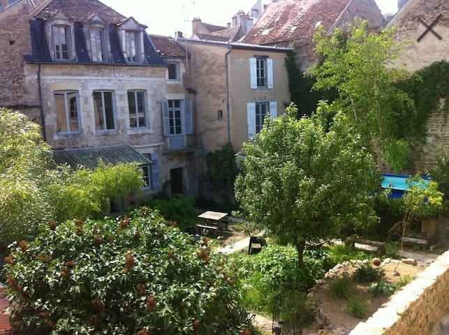Gîte de la Tour - Avallon - Huis