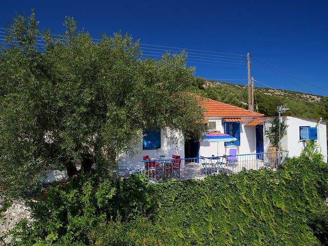 Little Cottage - Stunning Views, near Ag. Effimia - Kefallonia - Ev