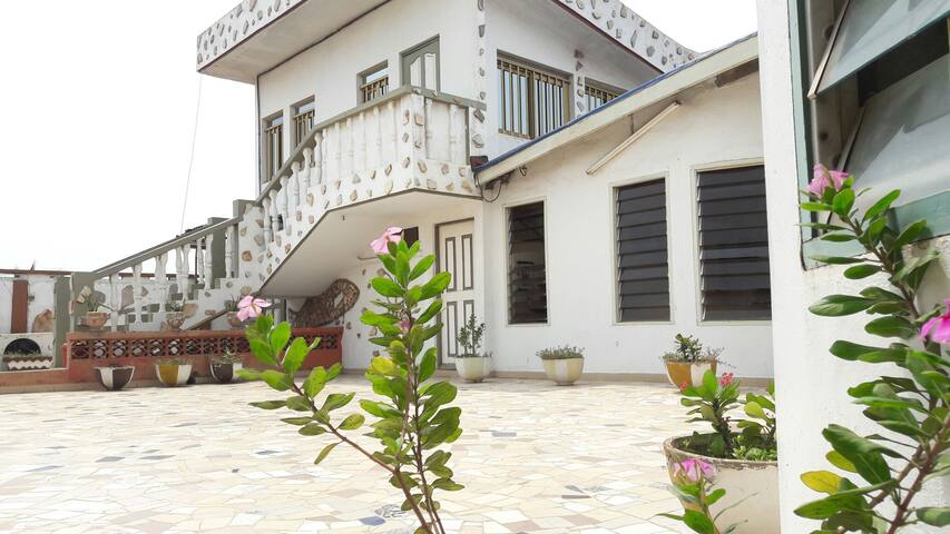 Charming and peaceful tropical duplex Tokoin - Lome - Casa