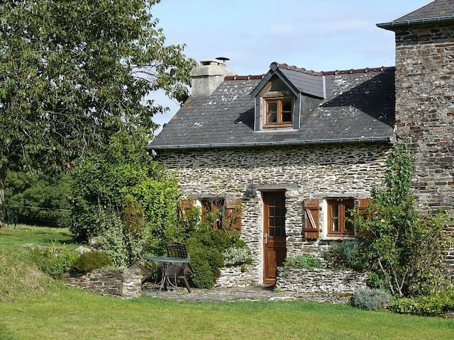 Stunning cottage in countryside - La Bazoque - Haus