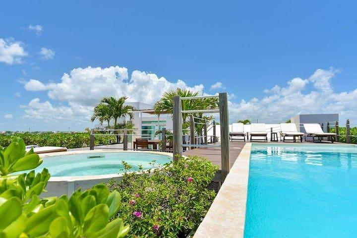14 Guest in LUXE SEAVIEW POOL near 8 BEACH CLUBS - Playa del Carmen - Daire