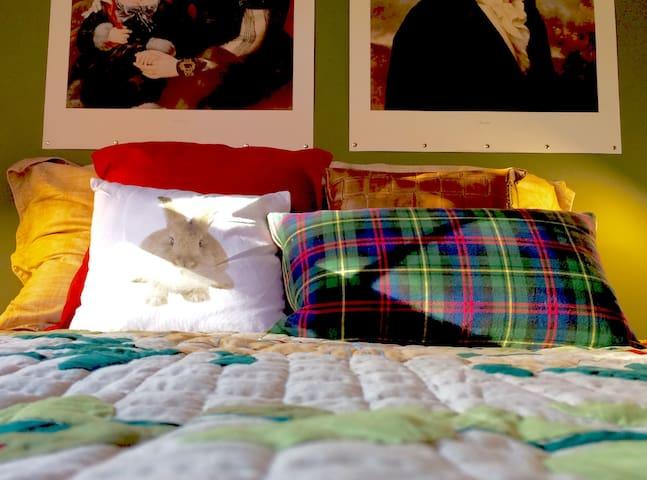 Aristocratic kaki room on Park - Moncton - Talo