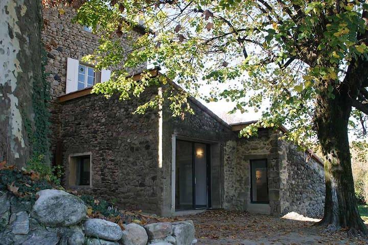 gîte en pierres refait à neuf - Aubenas - Hus