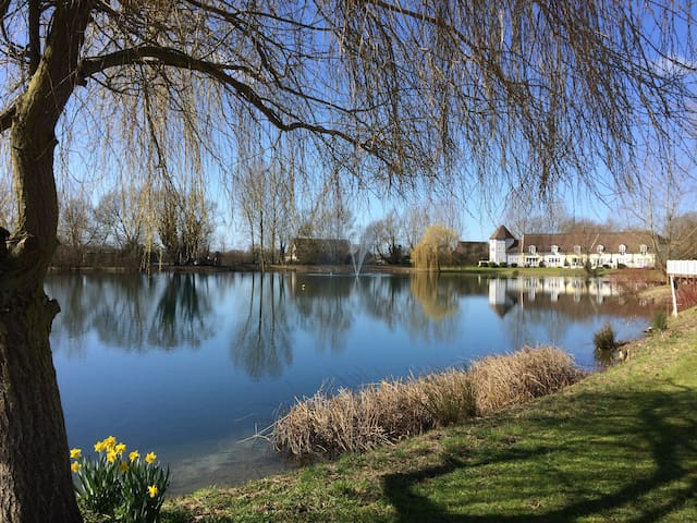 Lakeside cottage in Cotswold Waterparks - South Cerney