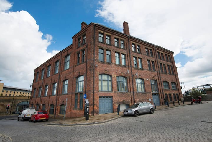 Cool Two Bedroom Apartment in the City Centre - Gateshead