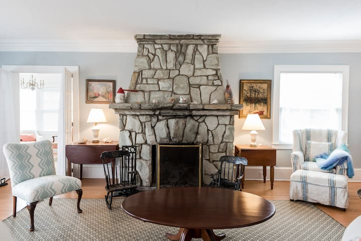 Classic Beach charm in winsome town - Spring Lake - Huis